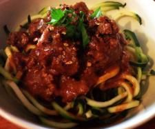 Chunky bolognese - passata, onion powder, garlic powder, oregano, basil, cinnamon, chilli flakes, black pepper, stock concentrate, beef mince. Sauce and spices in bowl, mince in steaming basket.