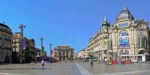 Après quinze années d'envolée des prix, le marché de l'immobilier dans le Languedoc-Roussillon retrouve la raison. Préfecture de région, Montpellier a vu le prix de ses logements baisser de 15% en 2013 http://www.partenaire-europeen.fr/Actualites-Conseils/actualite-de-l-immobilier/L-immobilier-des-regions-et-departements/Immobilier-les-prix-ont-chute-de-5-dans-le-Languedoc-Roussillon-en-2013-20140126 #montpellier