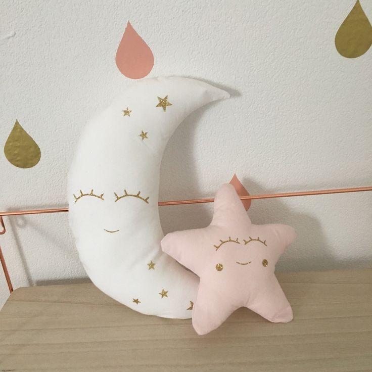 Coussin lune et étoile étincelantes, doudou enfant, décoration maison, chambre bébé, rose poudré, pastel, doré paillettes