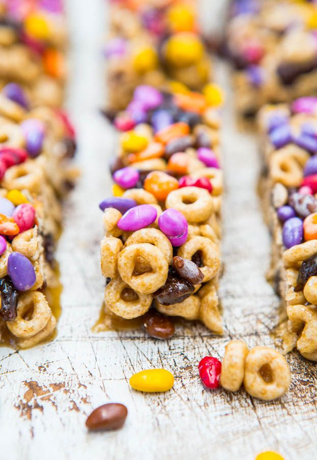 No-Bake Snack Bars with Cheerios | 21 Fun And Delicious Recipes You Can Make With Your Kids