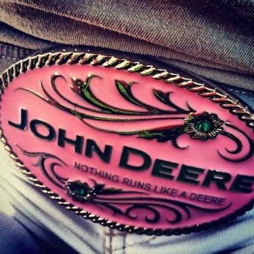 I want this belt buckle!