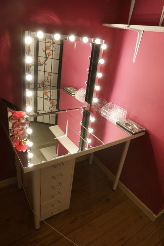 17 Best images about favorite makeup vanity on Pinterest ...:light bulb mirror dressing table - Google Search,Lighting