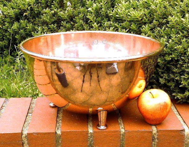 LARGE EARLY VICTORIAN ANTIQUE KITCHEN COPPER MIXING BOWL