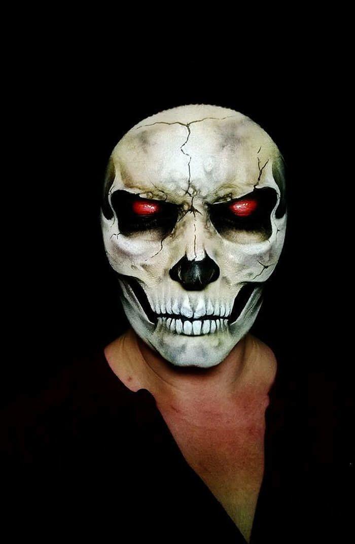 Halloween Make up ideen Nikki Shelley totenkopf gesicht