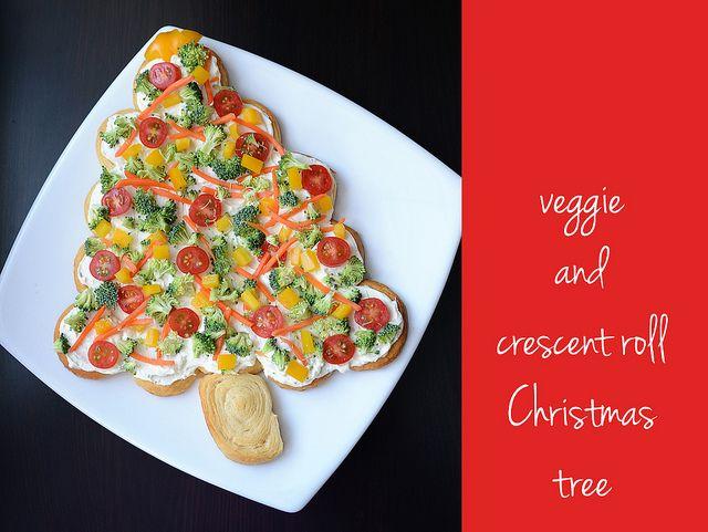 "Veggie & Crescent Roll Christmas Tree ""pizza"""