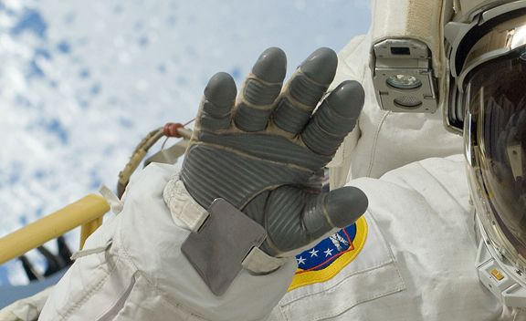 astronaut lost glove in space - photo #18
