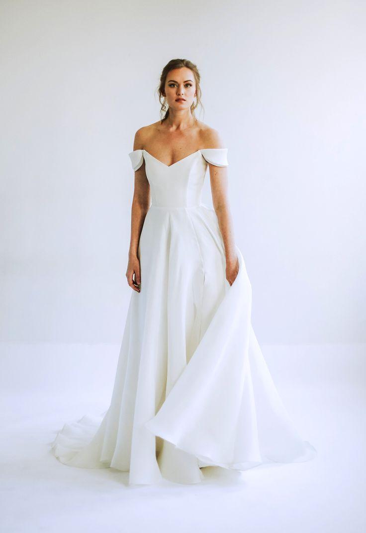 Simple Wedding Dresses That Are Just Plain Chic Classic Wedding Dress Wedding Dresses Simple A Line Wedding Dress [ 1071 x 736 Pixel ]