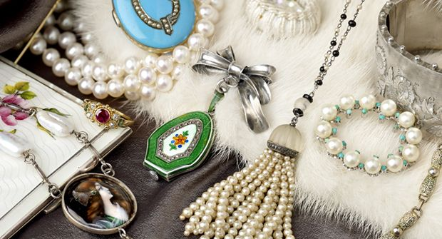 Vintage Jewellery & Accessories auction - 27th Jan 10am