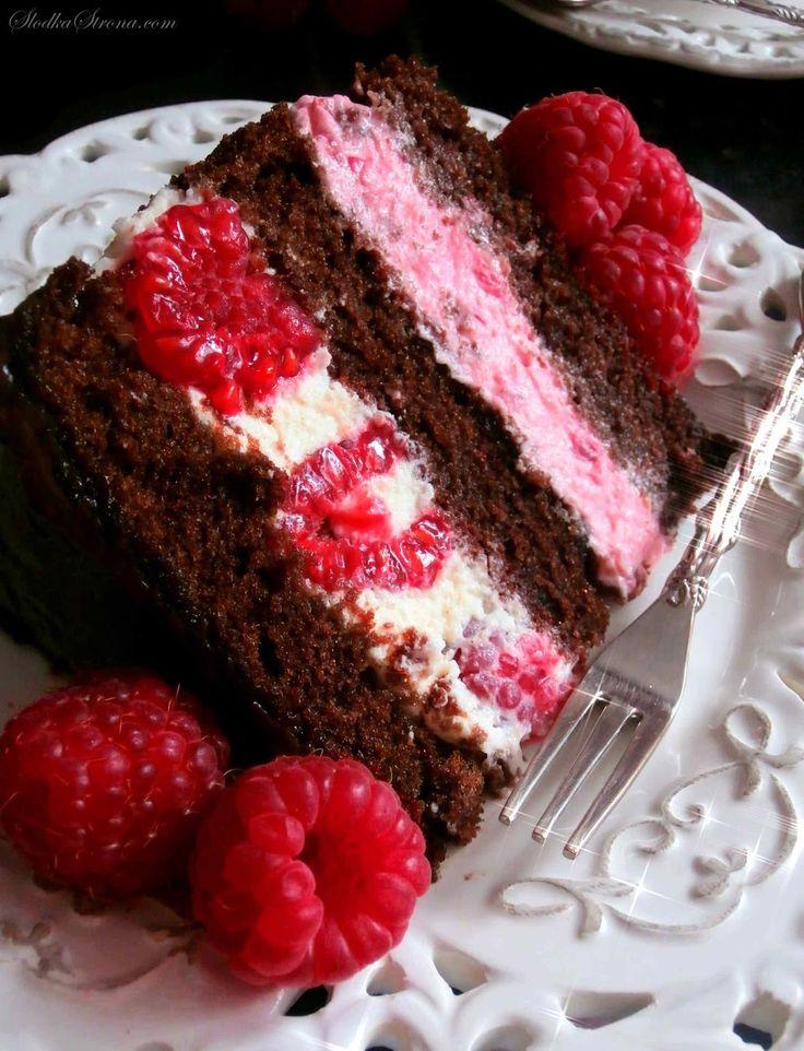 Marta8lat-Tort Czekoladowy z Malinami (Tort Czekoladowo Malinowy) - Przepis - Słodka Strona
