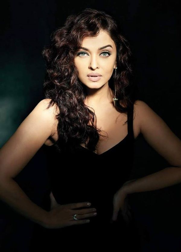 Aishwarya Rai Photoshoot For Filmfare Magazine October 2015 In 2020  Aishwarya Rai