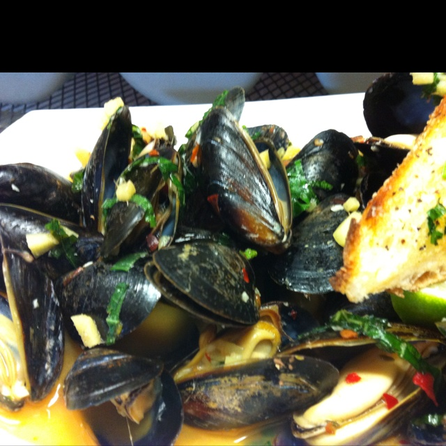 Thai steam mussels   For SBW   Pinterest