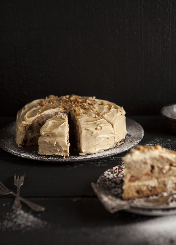 apple cake with maple cream cheese frosting - so Autumn!