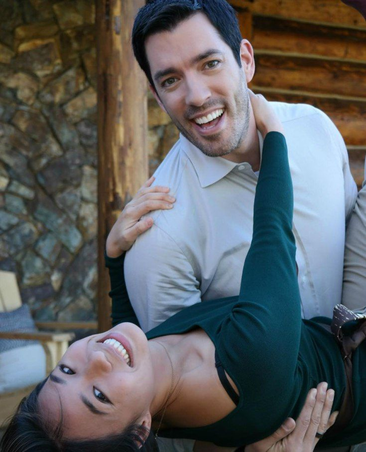 Drew Scott and Linda Phan's First Meeting - 2010