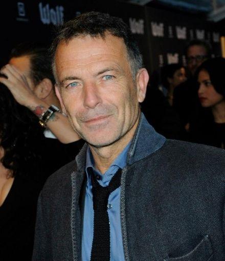 """Raymond Thiry was genomineerd voor EEN GOUDEN KALF voor zijn rol van de vader van André Hazes in de film """"Bloed, zweet en tranen""""!!!!!! En op 2 oktober 2015 heeft hij hem ook inderdaad gekregen voor de beste mannelijke bijrol! Proficiat, Raymond!"""