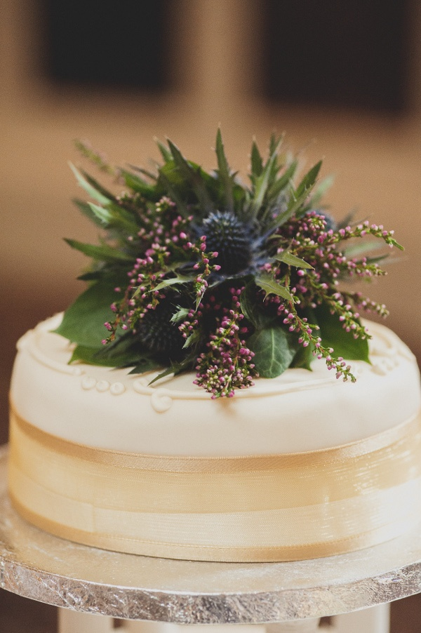 Planet Flowers / Photos by Zoe / The George Hotel / Marks & Spencer's Cake - Thistle and Heather cake topper - #scottishwedding