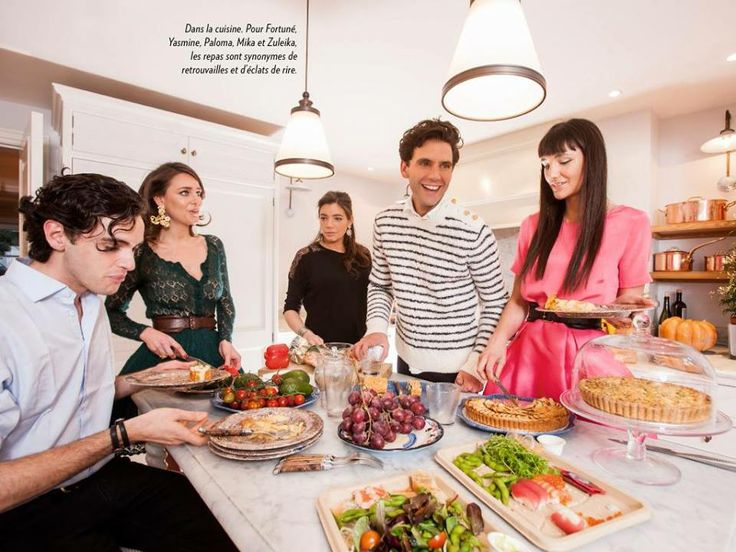 Mika and siblings Paris Match 13.2.2014