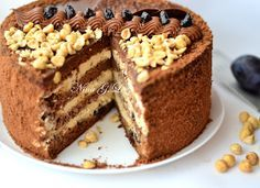 Необычайно вкусный пропитанный торт в классических кондитерских традициях