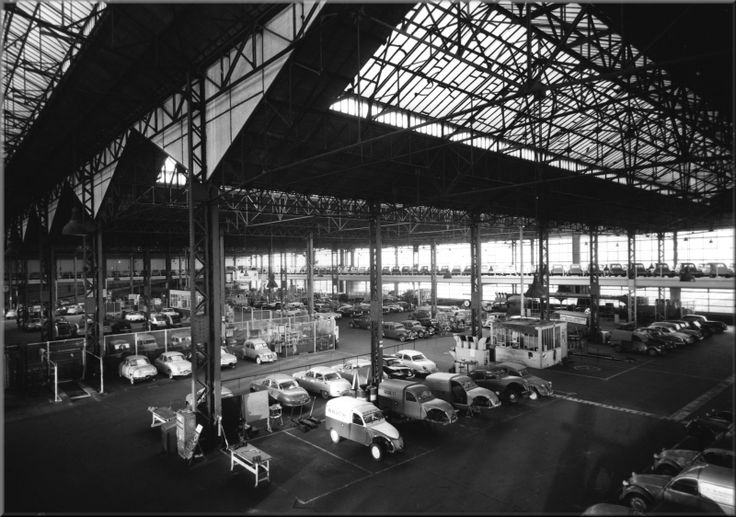 260 best citro n fabrieken dealers en garages images on for Garage citroen paris