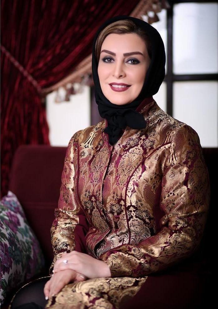 Pin By Bahareh Khalili On Irstreetstyle Iranian Women Fashion Fashion Iranian Women