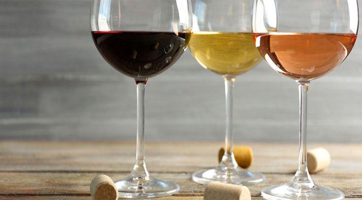Виды вин  Вермут Это виноградное вино. При его изготовлении используется полынь, корица, мята, тысячелистник и еще более 30 пряных трав. Каждый производитель вермута имеет собственный уникальный рецепт, который держится в секрете.  Портвейн Портвейн — это крепленое вино, изготовленное путем добавления в него спирта, последующего нагревания и выдержки в бочках. В процессе протвейнизации вино приобретает насыщенный терпкий вкус с характерными фруктовыми тонами.  Мадера В процессе изготовления…