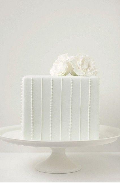 Cute Small Wedding Cakes (Source: media-cache-ec4.pinterest.com)