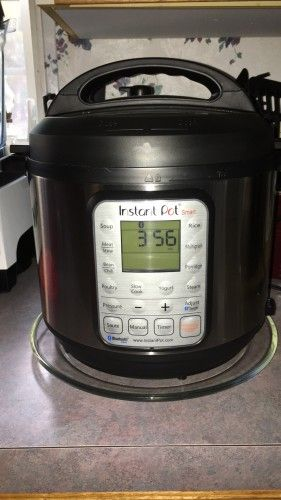 Welcome to Pressure Cooking School!  Here's a preview of a new free video series that will teach you how to use the pressure cooker! Starting December 9th, you'll get expert tips, adv