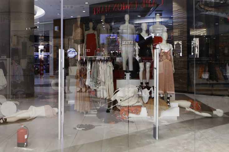 South Africa H&M Stores Targeted By Economic Freedom Fighters Protesters Over 'Racist' Ad