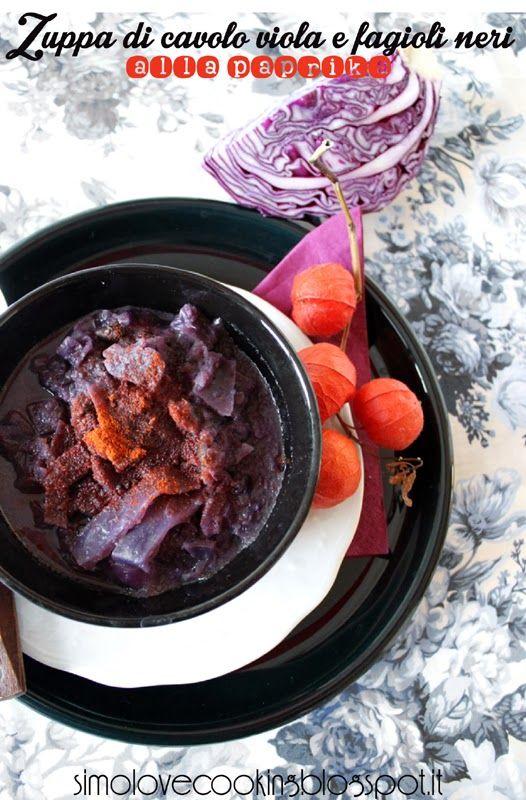 Zuppa di cavolo viola e fagioli neri alla paprika