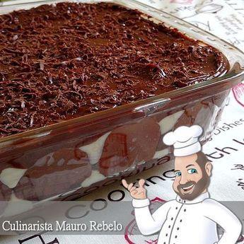 Delicioso PAVÊ DE CHOCOLATE com bolachas maisena. Muito fácil de fazer. RECEITA http://www.maurorebelo.com.br/2015/12/pave-de-chocolate.html Uma delícia de sobremesa. Gelado então fica muito booom