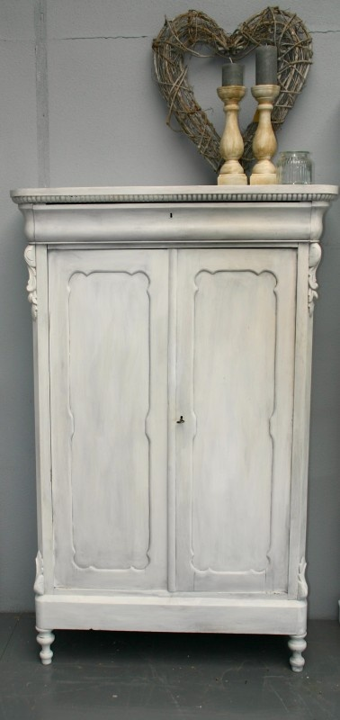 Brocante Biedermeier kast Painted white and waxed.