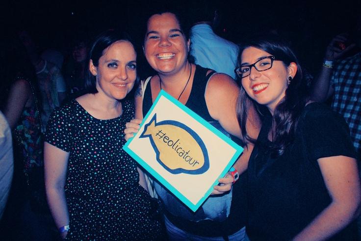 Paula, Dolo y Alba apoyando #eolicatour en Granapop