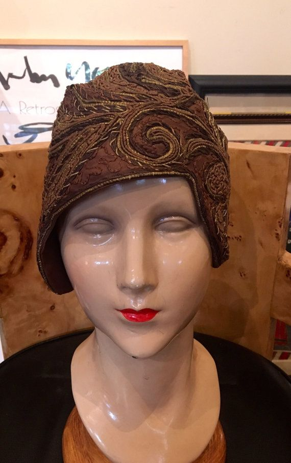 """Vintage 1920s Brown and Gold Embroidered Cloche 21.5"""""""