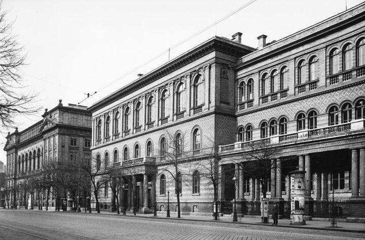 Múzeum körút 4., 6.-8., egyetemi épületek.