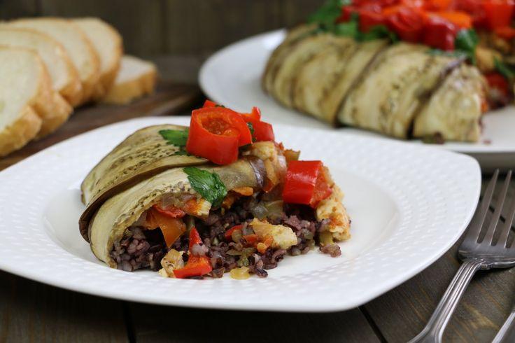 !!!!!!!!!!!!!!Замечательная курица с черным рисом, сладким перцем и баклажанами. Попробуйте приготовить!