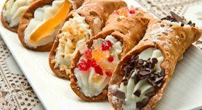 """El cannolo (en italiano significa """"pequeño tubo"""", en plural Cannoli) es un dulce típico de Sicilia, lugar de donde es originario. Vamos a la receta!"""