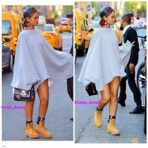 Welcome to Elizabeth Aluko's Blog: Rihana Spotted in NYC Rocking a Timberlands.