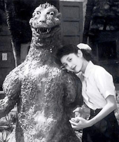 Backstage romances like this are inevitable really.  GODZILLA (1954)