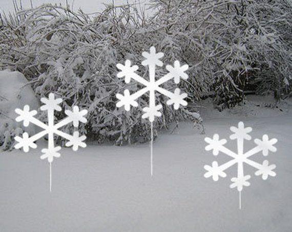 Snowflake Garden Stakes Set Of 3 Christmas Decoration Outdoor Metal Holiday Winter Garden Products Christmas Yard Decorations Christmas Yard Art