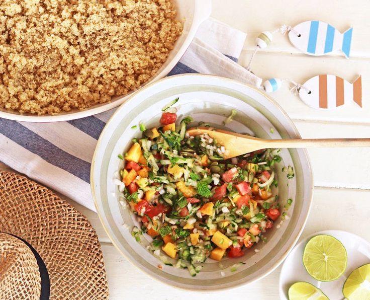 ¡Súper fresquita y saludable! Una ensalada muy refrescante, perfecta para las comidas veraniegas. ¿Sabes que la forma de cortar los...