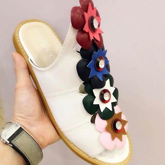 108 Hong Kong Import ING Flat Shoes harga Rp ||Olshop sepatu cewek:@pinkybell_sepatu_wanita ||Olshop tas cewek:@pinkybell_tas_wanita ||Olshop baju cewek:@pinkybell_baju_wanita||Olshop Baju Pria:@pinkybell_baju_pria1 ||Olshop sepatu pria:@pinkybell_sepatu_pria ||Olshop tas pria:@pinkybell_tas_pria_kulit||Olshop anak:@pinkybell_fashion_anak ||#sepatuwanita #sepatuwanitaimpor #sepatuwanitaimport #impor #instashop #jualansepatu #jualanonline #olshopindonesia #olshopid #olshopindo #olshopmedan…