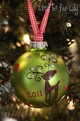 ~Rudolph the Rednosed Reindeer~ Would be so easy to make....Love the Antlers w/ Gems....