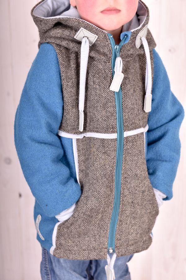 Übergangsjacke nach dem SM PowPowJuna verändert. Aus petrolfarbenem Wollwalk mit Tweed. Ein absolutes Wohlfühlteil !  Da gibt es noch mehr Fotos: www.facebook.com/suessstoff