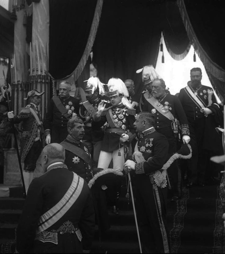 Manuel II, King of Portugal. Oporto, 1909. From Scala Regia.