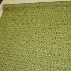 Tessuto Happy in 100% puro cotone stampato, la stoffa è verde con dei piccoli fiorellini ed è abbinata al Tessuto Happy dis. Mucca variante 1 http://www.radicifabbrica.it/prodotto/tessuto-h-cm-280-dis-cow/  Il tessuto è alto cm 160. Il prezzo di Euro 12.00 si riferisce al metro lineare. Prodotto in Francia.  Possiamo confezionare questo articolo su misura, richiedi un preventivo!