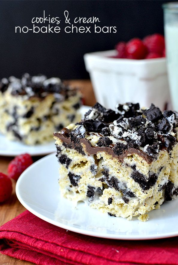 Cookies & Cream No-Bake Chex Bars #glutenfree | iowagirleats.com