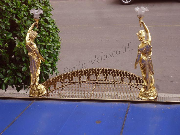 Los angeles en Jacques panaderia dando la bienvenida a suis clientes .Hojilla de oro y oleos , painter, decoracion , fachada, jacques panaderia , sonia velasco, pintura, texturas, estucos