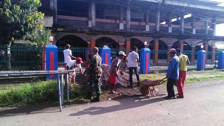 Koramil 1607-02 Empang Galakkan Gotong Royong bersama Masyarakat