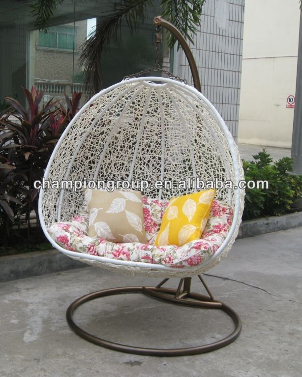 Best 25 outdoor swing chair ideas on pinterest outdoor for Cheap hanging chairs