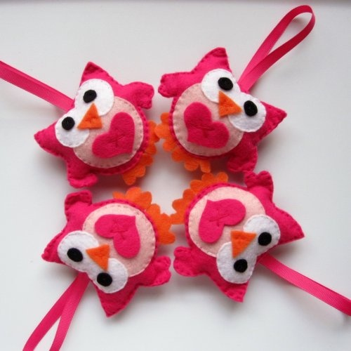 4 Valentine Owls, adorable hot pink and pink felt owls