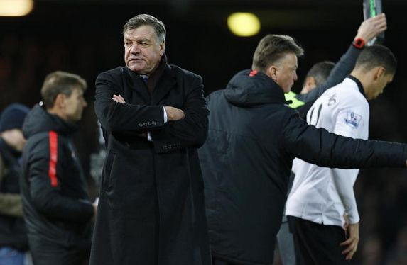 "Sam Allardyce blasts Manchester United as ""Longball United"" following his side's 1-1 draw - http://www.squawka.com/news/sam-allardyce-labels-man-united-longball-united/296077#TKs7bmXLeCAJKeY7.99 #Allardyce #WestHam #WHUFC #Hammers #MUFC #ManUtd #LvG"